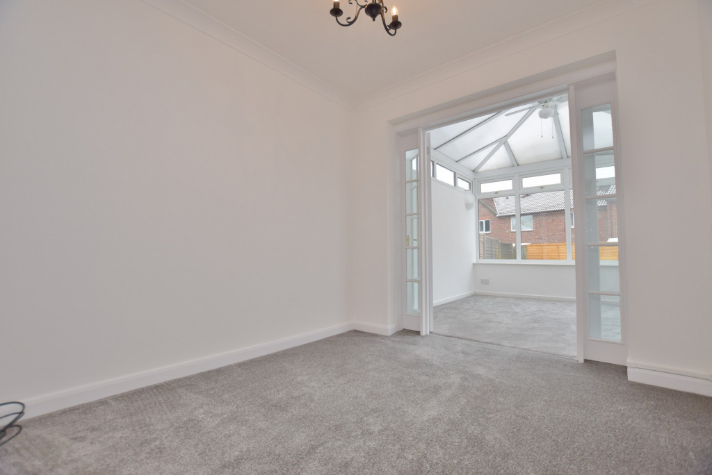 4 bed semi-detached house to rent in New Rectory Lane, Ashford 3