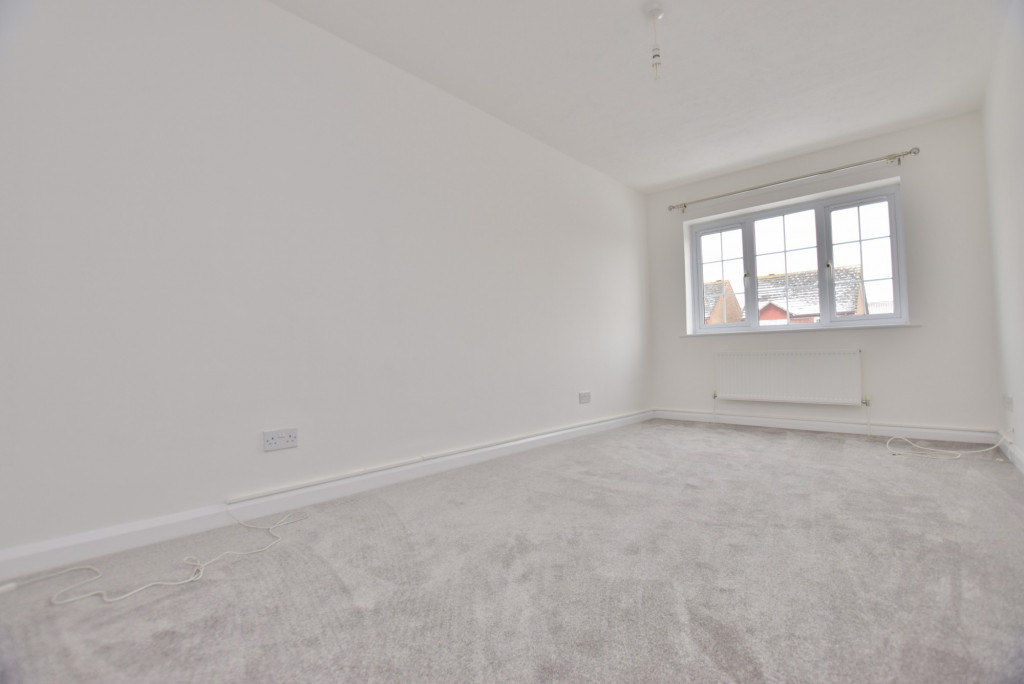 4 bed semi-detached house to rent in New Rectory Lane, Ashford 9