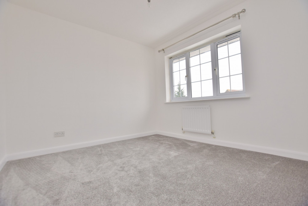 4 bed semi-detached house to rent in New Rectory Lane, Ashford 13
