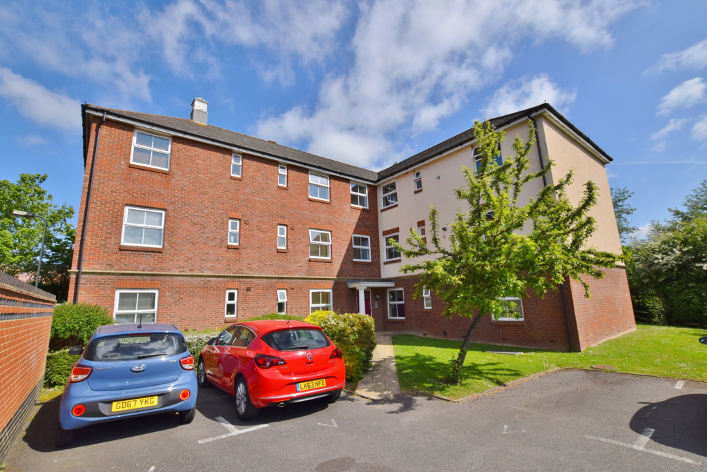 2 bed apartment to rent in Angus Drive, Kennington, Ashford 0