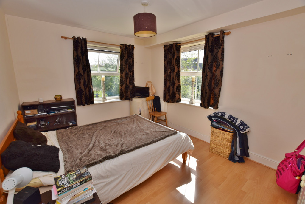 2 bed apartment to rent in Angus Drive, Kennington, Ashford 4