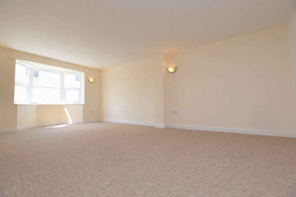 1 bed apartment to rent in Whitfeld Road, Ashford 2