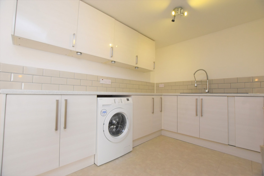 1 bed apartment to rent in Whitfeld Road, Ashford 3