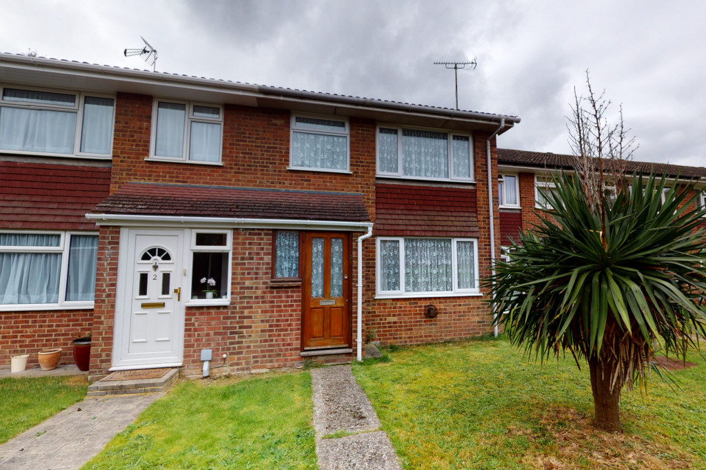 3 bed terraced house to rent in Hornbeam Close, Ashford - Property Image 1