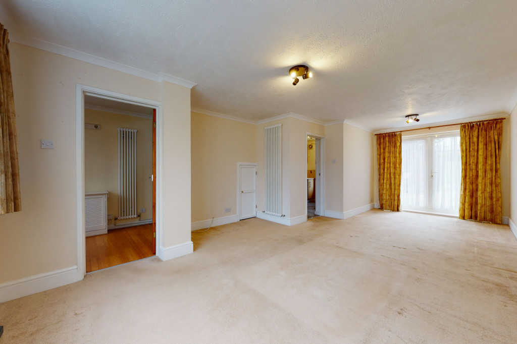 3 bed terraced house to rent in Hornbeam Close, Ashford 3