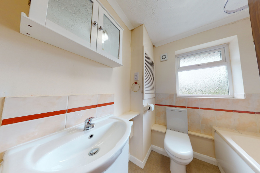 3 bed terraced house to rent in Hornbeam Close, Ashford 8
