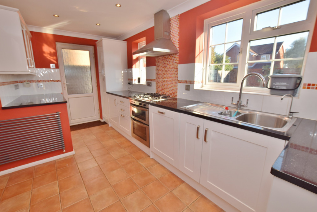 4 bed detached house to rent in Hoppers Way, Singleton, Ashford  - Property Image 1