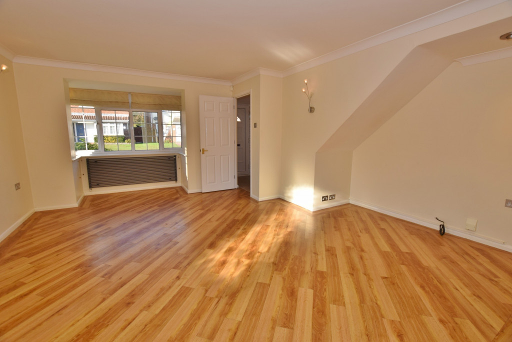 4 bed detached house to rent in Hoppers Way, Singleton, Ashford  - Property Image 4