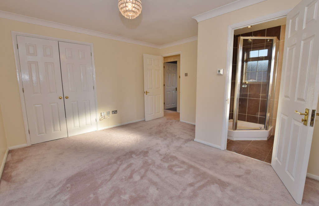 4 bed detached house to rent in Hoppers Way, Singleton, Ashford  - Property Image 9
