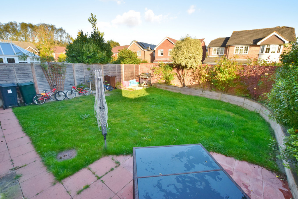 4 bed detached house to rent in Hoppers Way, Singleton, Ashford  - Property Image 15