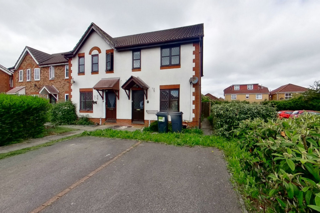3 bed end of terrace house for sale in Smithy Drive, Kingsnorth, Ashford 1