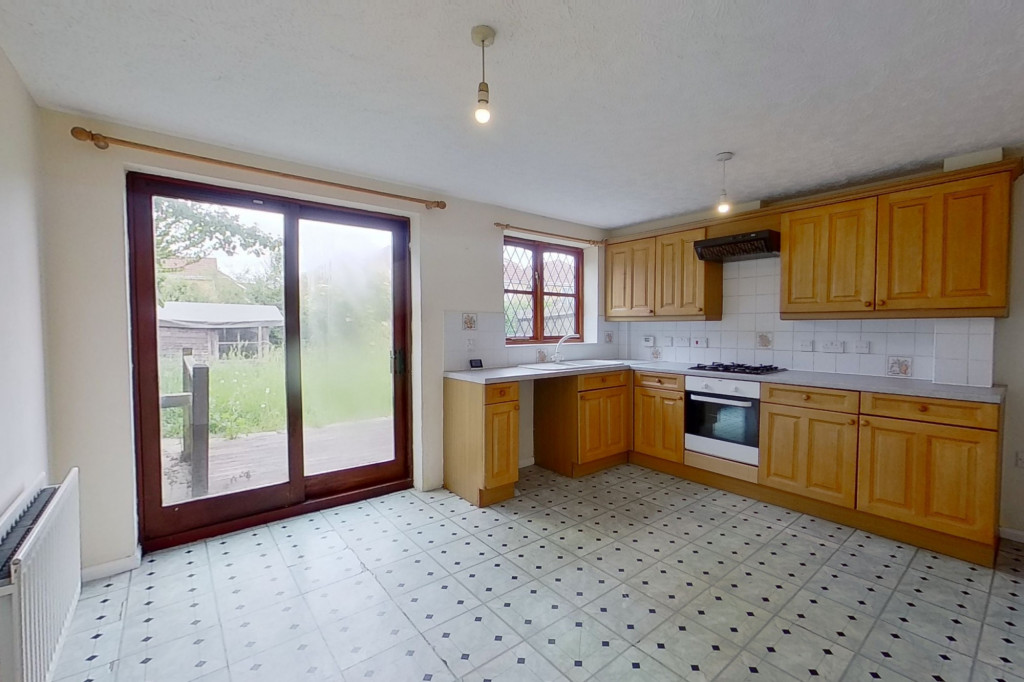 3 bed end of terrace house for sale in Smithy Drive, Kingsnorth, Ashford  - Property Image 3