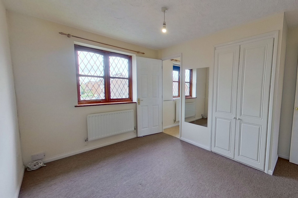 3 bed end of terrace house for sale in Smithy Drive, Kingsnorth, Ashford  - Property Image 4