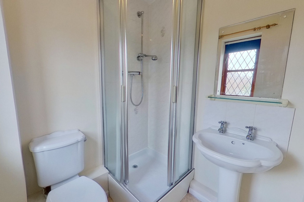 3 bed end of terrace house for sale in Smithy Drive, Kingsnorth, Ashford 4