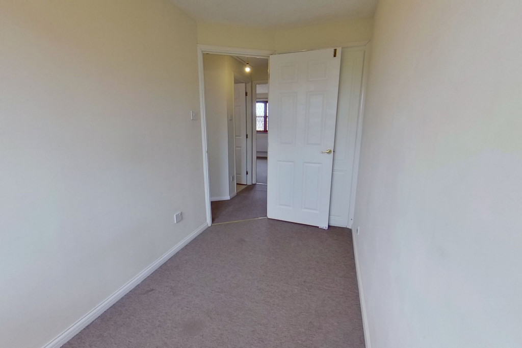 3 bed end of terrace house for sale in Smithy Drive, Kingsnorth, Ashford  - Property Image 6
