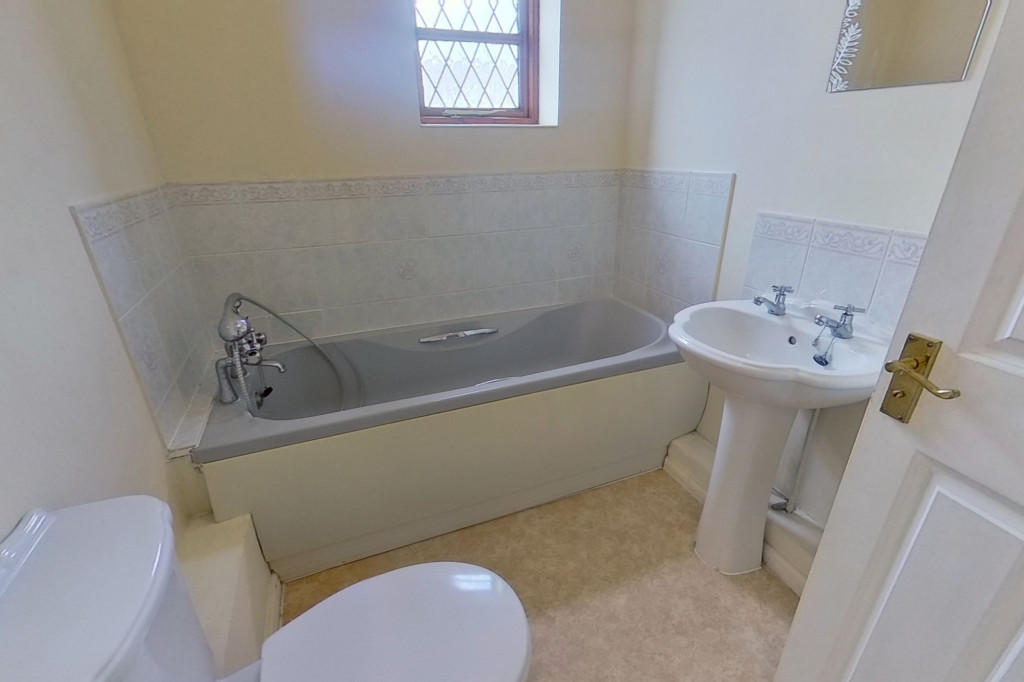 3 bed end of terrace house for sale in Smithy Drive, Kingsnorth, Ashford 7