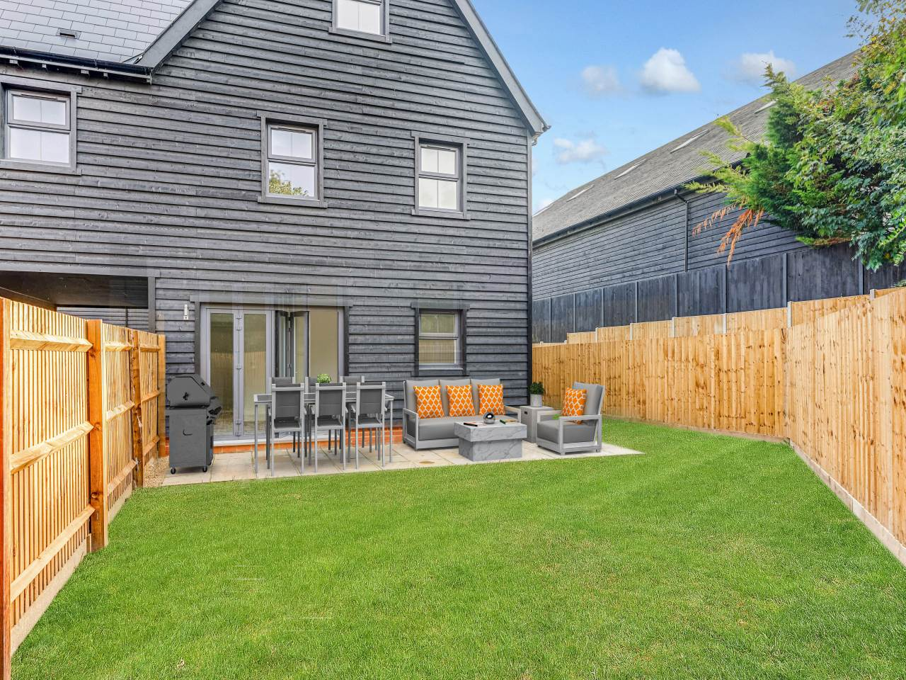 4 bed house for sale in Tavern Close , Barkway road  2