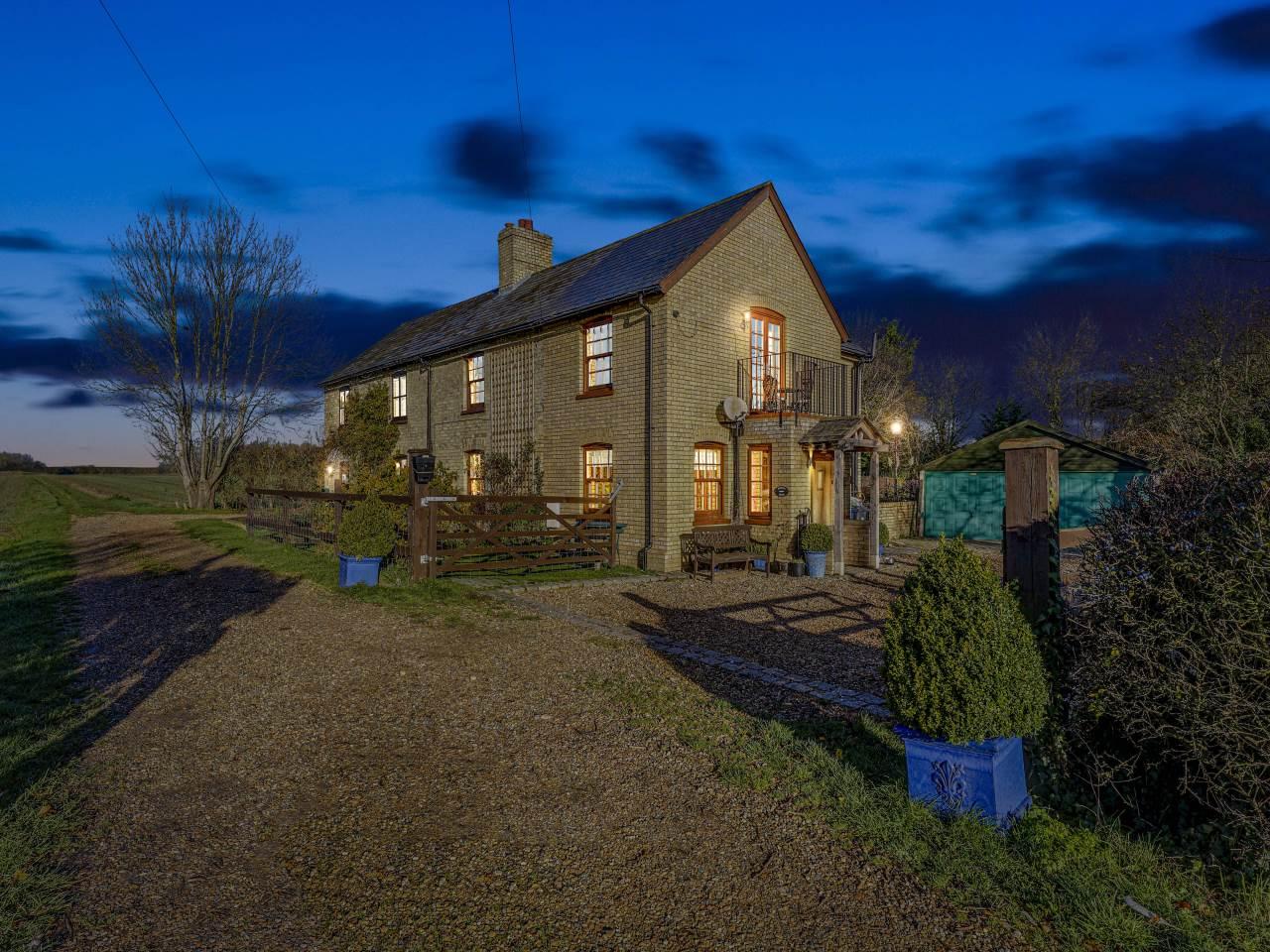 3 bed house for sale in Little Green, Guilden Morden  - Property Image 1