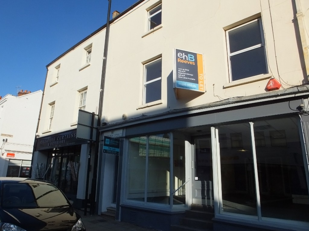 Two bedroom apartment located in Leamington town centre | Modern kitchen with built-in white goods | Dishwasher | Two double bedrooms | Bathroom with shower-over-bath | Permit parking | Double glazing | Unfurnished | Available 12 June 2021