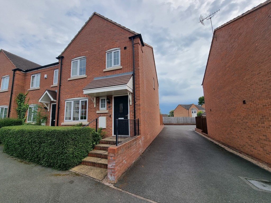 3 bed end of terrace house to rent in Penruddock Drive, Coventry  - Property Image 1