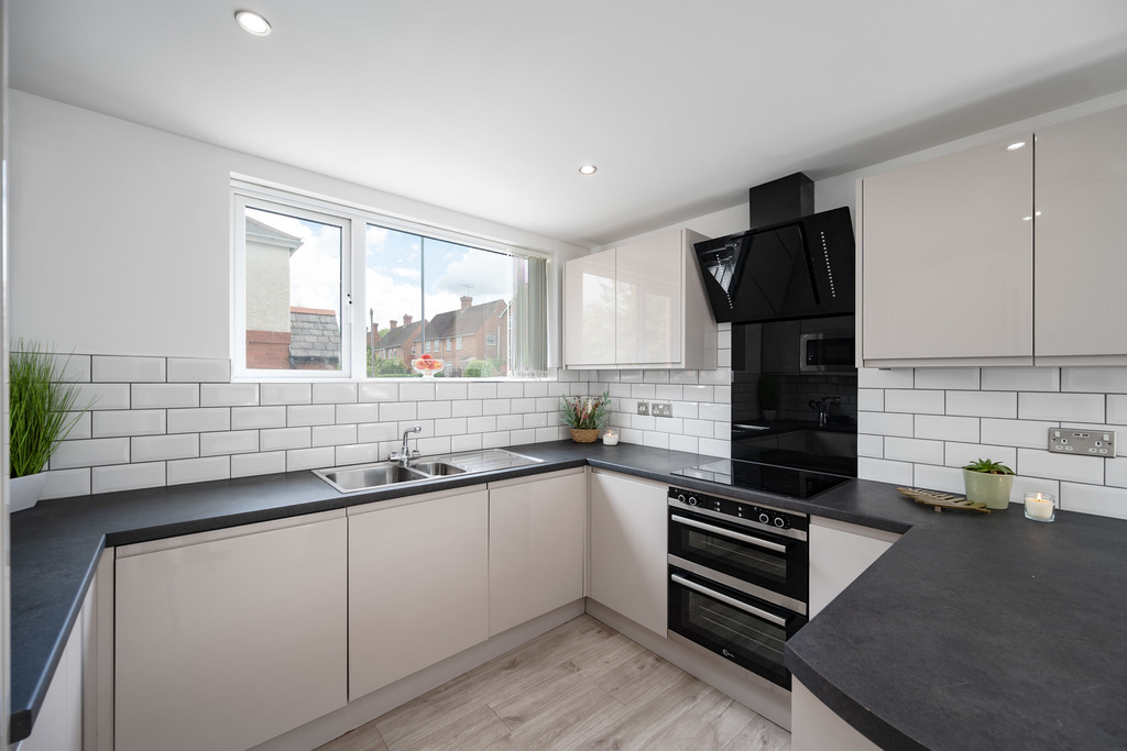 1 bed apartment for sale in Prescelly Court, Kenilworth 0