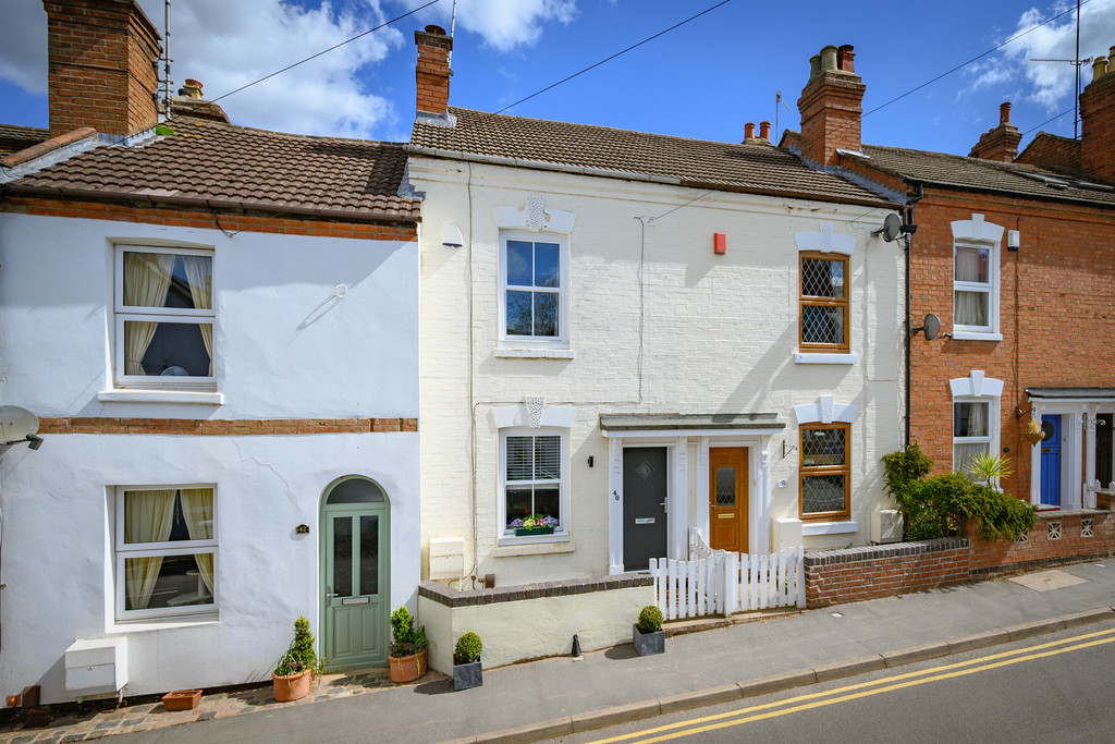 3 bed terraced house for sale in Park Road, Kenilworth - Property Image 1