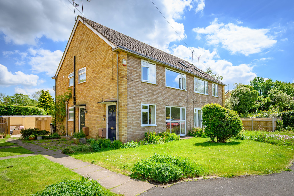 2 bed apartment for sale in Denton Close, Kenilworth  - Property Image 1