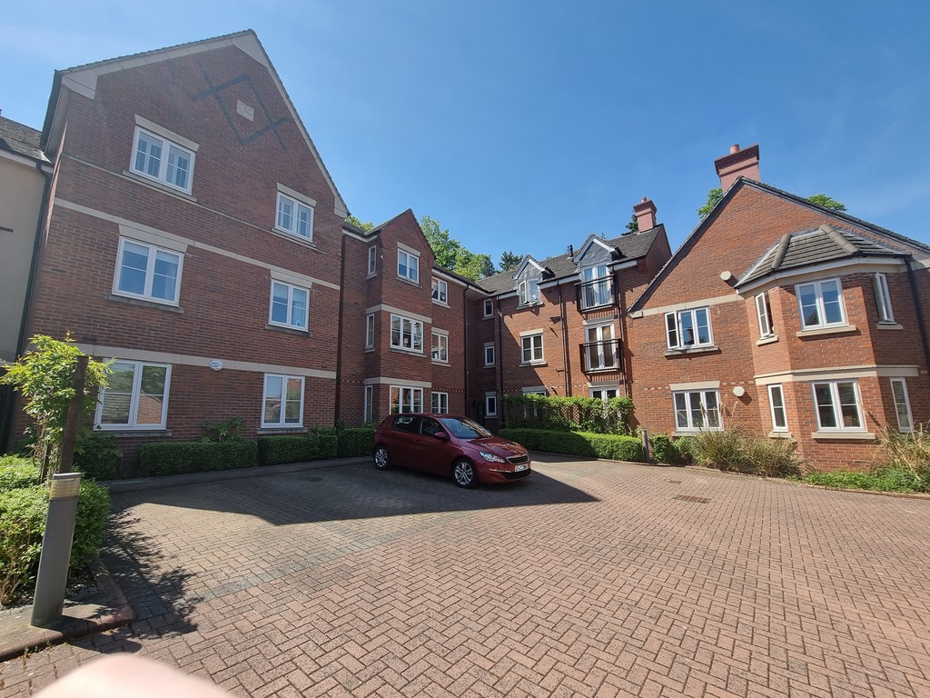 2 bed apartment to rent in Fennyland Lane, Kenilworth - Property Image 1