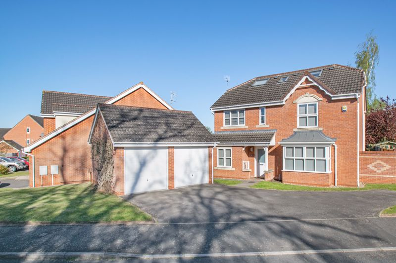 6 bed house for sale in Penshurst Road, Bromsgrove  - Property Image 1