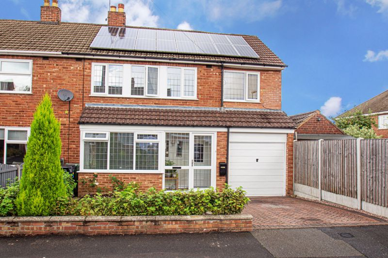 4 bed house for sale in Wheatcroft Close, Halesowen  - Property Image 1