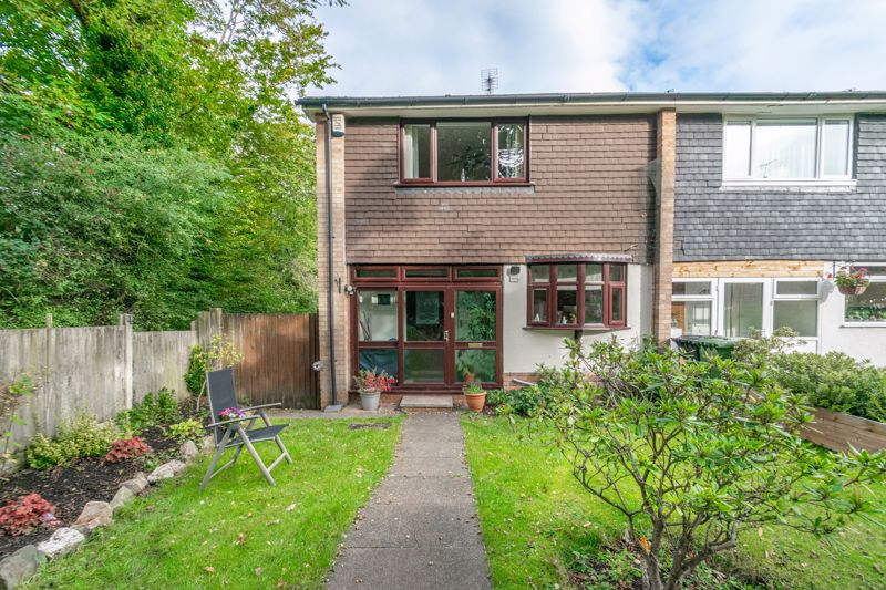 3 bed house for sale in Wirehill Drive, Redditch  - Property Image 1