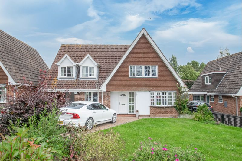 <br/><br/><p>A well-presented four double-bedroom detached home, boasting ideal family living space, situated in the historic village of Inkberrow.</p><p>The ground floor accommodation comprises: Entrance hallway, guest WC/cloakroom, fitted kitchen/breakfast room with an integrated electric hob and oven, along with space for freestanding appliances, formal dining room with French Doors leading to the rear garden, living room with a feature fireplace and bow window, utility room with space for freestanding appliances, and a study/playroom with a handy storage cupboard, access to the garage and sliding doors to the rear patio.</p><p>The first-floor landing establishes: Master bedroom with fitted units and a handy en-suite bathroom, double bedroom two with fitted wardrobes and a view to the rear garden, double bedrooms three and four, and the family bathroom.</p><p>Outside is an enclosed, private rear garden with an initial patio area then laid to a well-maintained lawn. To the front of the property is a beautifully maintained garden, private driveway/carport providing ample off-road parking, and access to the attached garage.</p><p>Well placed in Inkberrow Village, the property sits between Alcester and Worcester and is therefore easily accessible to an extensive array of amenities. There is also access to the local village shop, local pubs and well-regarded primary school.</p>