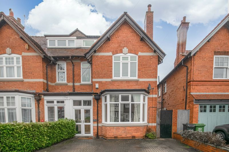 <br/><br/><p>A beautifully presented, four double bedroom, semi-detached home, boasting character features in the sought-after area of Headless Cross, Redditch.</p><p>The ground floor comprises: a modern open plan kitchen/breakfast room with space for freestanding appliances and benefitting from double doors leading to the rear garden and three sky lights, ground floor WC, utility room with space for appliances, off the kitchen is a well sized dining room with a feature fireplace, to the front of the property is the spacious lounge featuring a log burner and large bay window. <span> </span></p><p>The first-floor landing establishes three good sized double bedrooms, along with the family bathroom featuring an ornate roll top bath with overhead shower, sink and WC.</p><p>The top floor is home to the master bedroom benefitting from built in wardrobes along with an en-suite shower room.</p><p>To the rear of the property is an initial paved area, a veranda perfect for outdoor socialising, leading down to an expansive fenced lawn area. To the front of the property is a private driveway with off-road parking and a separate detached garage.</p><p>Well placed in the popular Headless Cross district, the property is within walking distance of local shops, takeaways, Morton Stanley Park, Pitcheroak Golf Course, and local bus routes. Redditch Town Centre is a short ride away boasting an assortment of amenities such as shops and restaurants along with the local train station.</p>