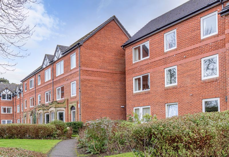 <br/><br/><p ><span >A well-presented, second floor apartment situated within a popular retirement apartment for over 60's, occupying a convenient location within easy reach of Bromsgrove town centre.</span></p><p ><span >The property is accessed through a secure internal lobby with intercom system and briefly comprises: Entrance hallway offering large airing cupboard store, good-sized lounge/dining room with elevated views to the front communal gardens, well-presented fitted kitchen offering a range of wall and base units, space for a tall fridge freezer, and integrated oven with electric hob and extractor hood over, a sizable double bedroom presents integrated wardrobe and vanity storage units, while a fitted shower room completes the internal layout. </span></p><p ><span >The accommodation also benefits from beautifully landscaped communal gardens surrounding the property, private off-road parking for residents and visitors, in addition to a variety of facilities including, communal lounge, lift servicing all floors, management staff, Careline alarm system, laundry room and guest facilities.</span></p><p ><span >The property is situated in a fantastic central location of</span><span > Bromsgrove town which offers a range of shops, leisure centres and first, middle, and high schools. Along with road links to the M5 (junction 5), and M42 (junction 1), ideal for commuting to Birmingham, Worcester and surrounding areas.</span></p>