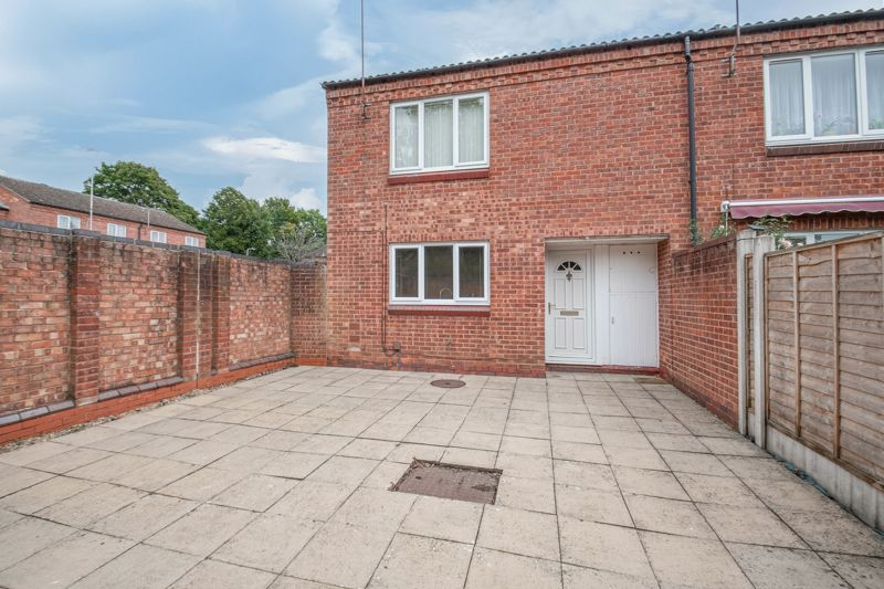 <br/><br/><p>A well-presented, two double bedroom, end of terrace property, boasting an open living space and ample storage throughout. Ideally placed in a popular residential area of Church Hill South, Redditch.</p><p>The ground floor accommodation homes the Entrance hallway, kitchen/diner with a gas hob, oven, space for appliances, two storage cupboards, and access to the integral garage.</p><p>The first-floor landing establishes: Spacious open lounge, two good-sized double bedrooms with space for wardrobes, and the family bathroom providing a bath with overhead shower, sink and WC.</p><p>Outside is an enclosed low maintenance garden laid to patio slabs, gated access to footpath, and garage and parking access from the rear.</p><p>Placed in a well-established residential area of Church Hill South, the property provides good access to the local amenities, schooling, bus routes, Arrow Valley Country Park, and national road networks.</p>