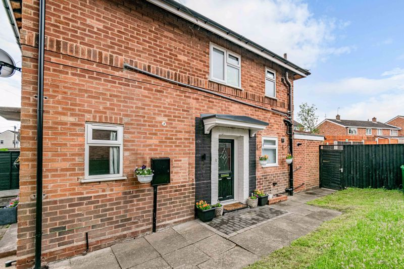 <br/><br/>An well-presented ground floor apartment, having been refurbished throughout by the current owner. This ideal first time buyer property benefits from a beautifully presented private rear garden, a private double driveway to the front, and is situated in a popular location of Sidemoor, Bromsgrove.<br/><br/>Upon entering the apartment you are welcomed by an entrance hallway with handy cupboard store; well-presented lounge boasting large bi-fold doors through to a large ground floor extension, which encompass a bright and airy open plan kitchen/diner, fitted with a range of integrated Bosch appliances including electric hob, oven, microwave, dishwasher, fridge freezer and a smart use of cupboard units which open up into a concealed utility space for washing machine and tumble dryer. Two skylights flood the kitchen with natural light adding to the bright feel, while double french doors open out into the rear garden. From the entrance hall a modern fitted bathroom provides a bathtub with overhead power shower; and a good-sized double bedroom with built in wardrobe storage to complete the internal layout. <br/><br/>Externally the property enjoys  access to a beautifully landscaped private rear garden, presenting initial paved patio seating area, steps leading up-to a lawn with further paved area to the rear which situates a timber shed store. A side access gate can be used for entry to the front of the property which boasts exclusive use to block paved driveway offering parking for two cars.<br/><br/>The property is conveniently set nearby to local shops, parks, schooling, children's centre and bus routes. Bromsgrove town centre is within easy reach to provide additional shopping facilities and amenities, In addition to ease of access to major road links (M5 & M42) for travel and commuting to surrounding areas.