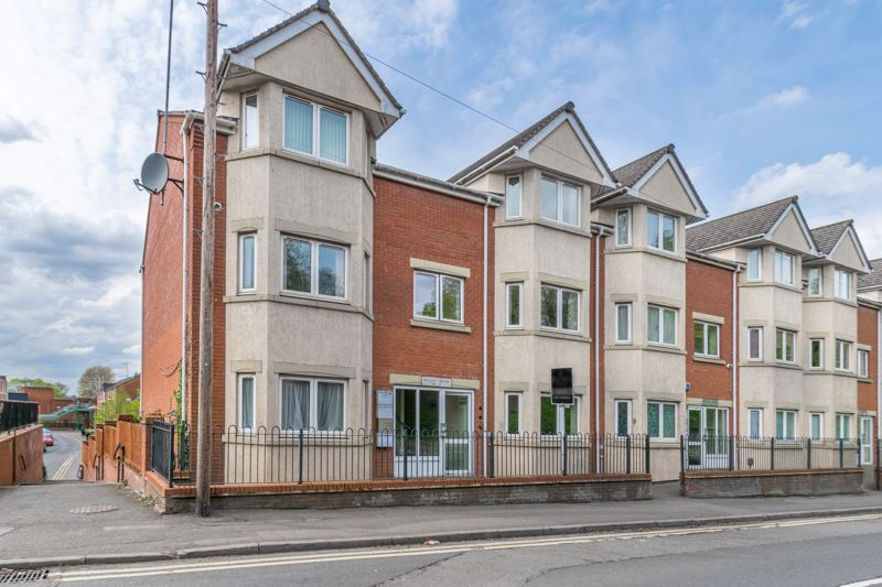 <br/><br/><p>A well-presented, one-bedroom, ground floor apartment, conveniently situated in the popular residential area of Enfield, ideal for Town Centre facilities.</p><p>The accommodation briefly comprises: Entrance hall, open plan kitchen/sitting room with an integrated fridge, freezer, induction hob, oven and sink along with space for freestanding appliances, and the living space giving access out to a good-sized private balcony, a good-sized double bedroom with space for wardrobes, and the bathroom providing a bath with overhead shower, sink and WC.</p><p>Outside, the property benefits from having a secure allocated parking space, visitor parking facilities and well-maintained grounds.</p><p>Well placed in Enfield, the apartment has easy access into Redditch Town Centre, offering an assortment of amenities including shops, restaurants, bars, and a cinema, along with the local bus and train stations making it popular for Birmingham commuters. National motorway networks (M5 and M42) are easily accessible.</p>