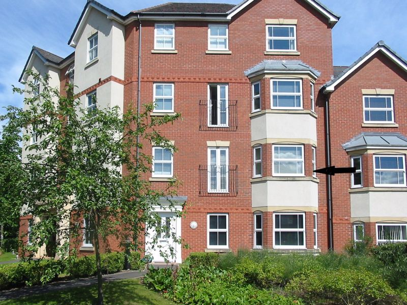 <br/><br/>A well presented and deceptively spacious two bedroom apartment, situated in a convenient location within walking distance of Stourbridge Town Centre.<br/><br/>Entering the property into the welcoming entrance hall, this property briefly comprises of a spacious lounge/diner with bay window, kitchen with inset oven and four ring gas hob, two spacious double bedrooms, the largest of which features an en-suite shower room, and a family bathroom complete with a contemporary suite.<br/><br/>Situated in the convenient location of Amblecote, Stourbridge, this property is just a stone's throw from Stourbridge town centre benefitting from a wide range of shops, restaurants and services, with excellent schooling and fantastic road networks to the M5 motorway and public transport links from Stourbridge town bus and rail stations. <br/><br/>Additional benefits include full double glazing and gas central heating provided by a brand new boiler, covered by a 5 year guarantee.