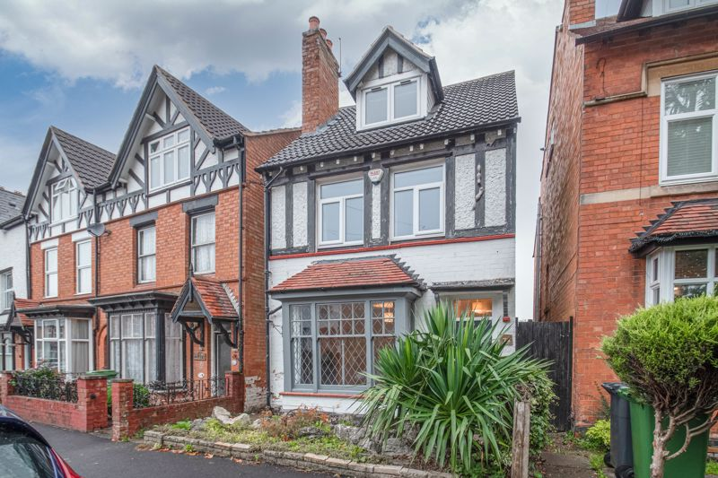 <br/><br/><p ><span ><br/><br/>An extensively renovated Victorian detached family home, boasting character in the sought-after area of Headless Cross, Redditch, offered with no onward chain. </span></p><p ><span >The ground floor accommodation comprises: Living room with an original feature bay window and open fireplace, dining room with a view to the rear garden, newly fitted kitchen/breakfast room providing an integrated dishwasher, induction hob and oven, along with space for freestanding appliances and featuring the exposed original floor, and an additional outbuilding with a handy ground floor WC.</span></p><p ><span >The first-floor accommodation establishes: double bedroom two with a view to the rear garden, good sized bedrooms three and four, and the family bathroom providing a freestanding roll top bath, separate corner shower, sink and WC. </span></p><p ><span >The second floor homes the impressive master bedroom with a dormer window, sky light windows, feature exposed beams and a walk in wardrobe space.</span></p><p ><span >To the rear is an extensive garden with an initial patio area then laid to lawn. To the front of the property is a well-maintained front garden area, along with side gate access through to the rear. </span></p><p ><span >Well situated the property is close to an assortment of local amenities such as shops and restaurants and is within walking distance to Morton Stanley, countryside walks and well-regarded schools Walkwood Middle and Saint Augustine's High. It is also conveniently placed to access local bus routes, the local train station and national motorway networks (M5 & M42).</span></p>