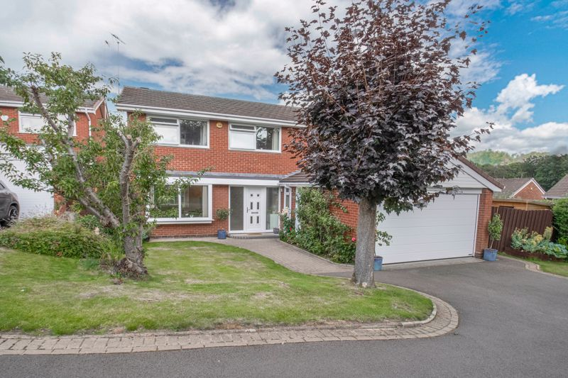 <br/><br/><p>A beautifully presented four-double bedroom detached family home, placed on an enviable corner plot in a cul-de-sac location in the popular residential area of Southcrest, Redditch.</p><p>The ground floor accommodation comprises: Welcoming entrance hallway with a feature staircase rising to the first floor, fitted kitchen providing an integrated fridge, freezer, washing machine, and dishwasher, with space for a freestanding range cooker, separate dining room with sliding doors leading to the rear garden, generously sized lounge with a feature fireplace and dual aspect windows, study room and a guest WC/cloakroom.</p><p>The first floor landing establishes: Master bedroom with space for wardrobes and a larger than average en-suite bathroom providing a freestanding bath, separate corner shower, sink and WC, double bedroom two with fitted wardrobes, double bedrooms three and four with space for wardrobes and a view to the rear garden, and the family bathroom providing a bath with overhead shower, sink and WC.</p><p>Outside to the rear is a patio area perfect for garden furniture/entertaining, an extensive well-maintained lawn and a decked area perfect for further outdoor seating. To the front of the property is a private driveway providing ample off-road parking, access to the double garage and side gate access to the rear garden. <br/><br/>Well situated in a pleasant position of Southcrest, the property is ideal for local wooded walks, well-regarded local schools, shops and supermarkets. Redditch Town Centre is a short ride away boasting an assortment of further amenities including shops, restaurants, bars and cinema, along with the local bus and railway stations. Motorway networks are easily accessible (M42 and M5).</p>