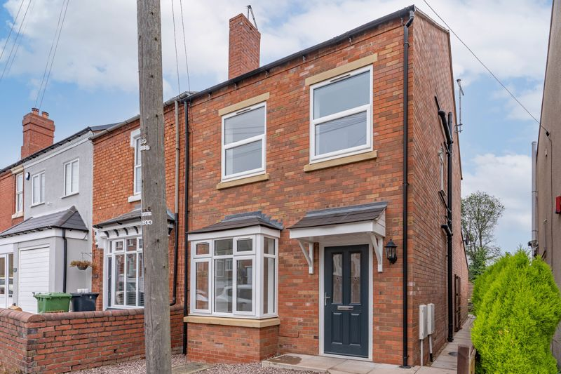 <br/><br/>A recently renovated three-bedroom end of terrace property situated in the sought-after location of Wollaston, Stourbridge with NO UPWARD CHAIN.<br/><br/>Entering the property into the welcoming entrance hall, the ground floor comprises of a front reception room with bay window, convenient downstairs WC and a spacious and impressive open plan kitchen/lounge complete with brand new inset oven, four ring gas hob and modern extractor hood. Leading up the stairs and branching from the landing, the first floor comprises of two great sized double bedrooms and a family bathroom with contemporary suite. The second floor comprises of a large master bedroom with en-suite shower room, with additional access to the loft providing ample storage space. <br/><br/>To the front of the property is a gravel front garden, and to the rear is a great sized garden, mostly laid to lawn with an initial paved patio area and side gate access from the front.<br/><br/>Situated in the sought-after location of Wollaston, Stourbridge this property benefits from excellent nearby amenities in Wollaston village, also with easy access to the wide range of shops and restaurants in Stourbridge town centre.