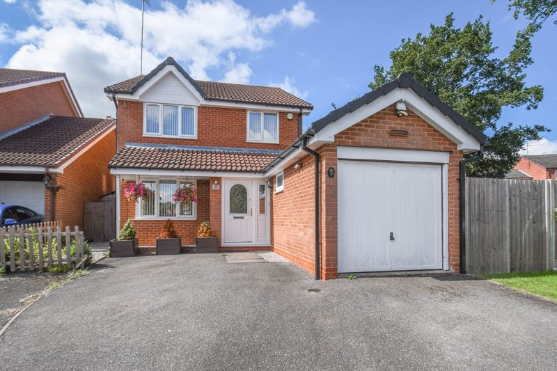 <p>A deceptively spacious four-bedroom, detached property, situated in the sought-after residential area of Walkwood, Redditch.</p><p>The ground floor accommodation briefly comprises: Entrance porch and hallway, guest WC/cloakroom, fitted kitchen/breakfast room, generous lounge with a feature fireplace and bay window, and a separate dining room with sliding doors to the rear garden.</p><p>The first-floor landing establishes: Master bedroom with an en-suite shower room, double bedroom two, good sized bedroom three and four, and the family bathroom providing a bath with overhead shower, sink and WC.</p><p>Outside is an impressive rear garden with an initial patio area then laid to a well-maintained lawn. To the front of the property is a private driveway providing off-road parking and access to the attached garage.</p><p><span >Well situated in a highly sought-after area, the property is within walking distance to well-regarded local schools, countryside walks including Morton Stanley Park and local bus routes. Redditch Town Centre is just a short ride away boasting an assortment of amenities, bus station and train station. National motorway networks M5 and M42 are also easily accessible.</span></p>