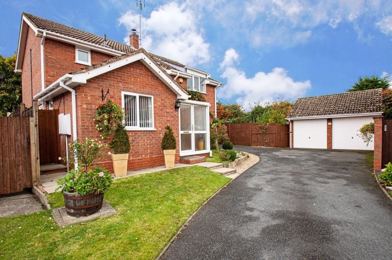 A very well presented 4 bedroomed detached house in the Churchill North area.<br/><br/>The property briefly consists:  porch, hall with access to the guest W.C., the study overlooking the front, a door then leads to the lounge area having a bow window and feature fireplace with multi-fuel burner and patio doors to the Conservatory and on to the rear garden. The dining area is off the lounge with a door to the hall. Thehall also gives access to the kitchen which has matching units ands cupboards, inset sink and drainer, integrated oven hob, microwave, fridge freezer and dish washer. Off the kitchen is the utility room having an inset sink and drainer, with space for a washing machine, tumble dryer, and a door to the side of the house leading to the garden.<br/><br/>Upstairs presents the master bedroom with built-in wardrobes and an en-suite shower room, double bedroom 2 has built-in storage cupboards, double bedroom 3 and generous bedroom 4. Finally, the roomy bathroom has a shower over the bath.<br/><br/>Outside to the front is the drive leading to the double garage giving ample off-road parking, lawn and border planting. The enclosed rear garden stretches across the rear and right side of the house and has lawn and mature planting.<br/><br/>The property benefits from gas central heating, double glazing, and is well positioned in Churchill North for the local amenities, schools, national chain supermarket, and access to the M42 and commuter routes across the region.