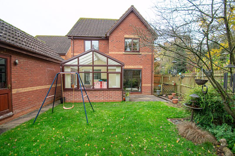 4 bed house for sale in Harlech Close, Worcester  - Property Image 15