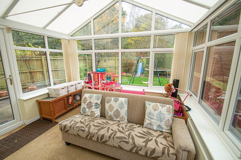 4 bed house for sale in Harlech Close, Worcester  - Property Image 5
