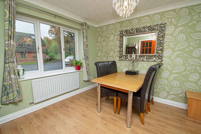 4 bed house for sale in Harlech Close, Worcester  - Property Image 4